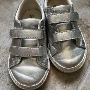 GAP Shoes - Gap tennis shoes size 8